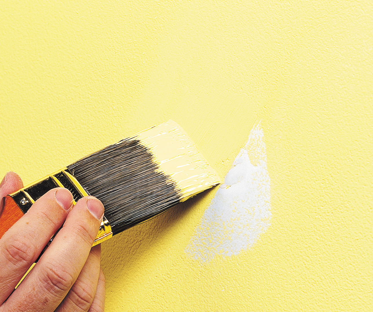 How To Repair Cracks And Holes In Your Walls Paintshop