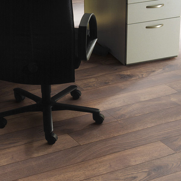 petterson oak laminate flooring room scene