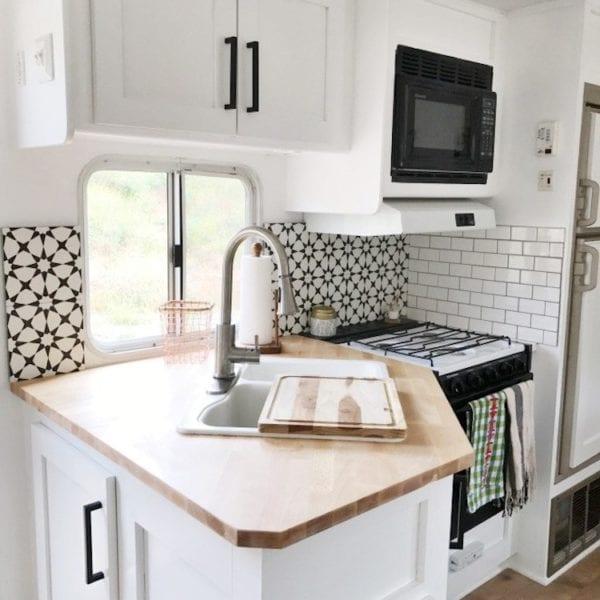DIY Backsplash, Flooring, Francois et Moi RV Reno