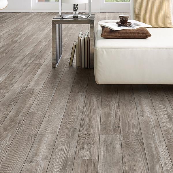 bonds path oak laminate flooring room scene