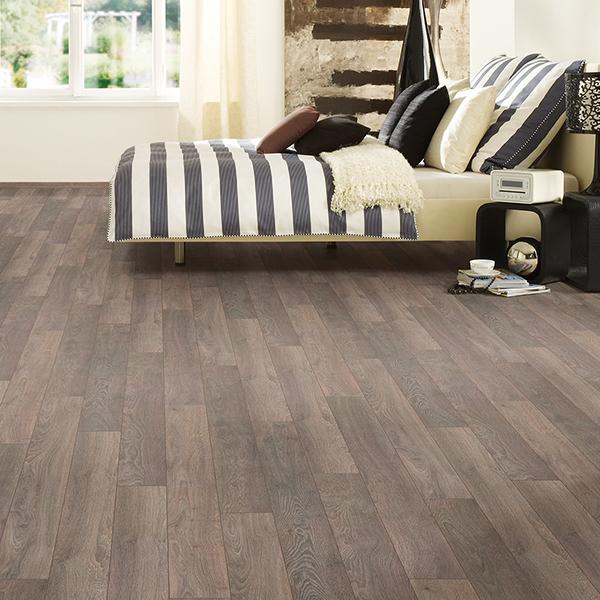 pineware oak laminate flooring room scene