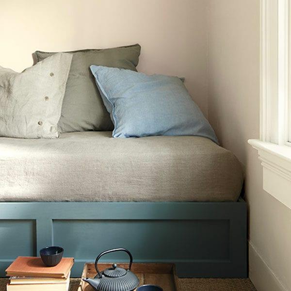Room Scene with Benjamin Moore Colour Trends 2021 Muslin